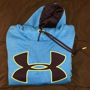 Gently used Under Armour Hoodie.